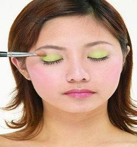 大观技校化妆培训